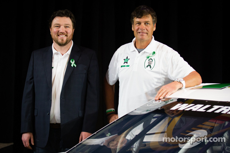 NASCAR, Swan Racing and Michael Waltrip partner to pay tribute to Newtown, CT., community