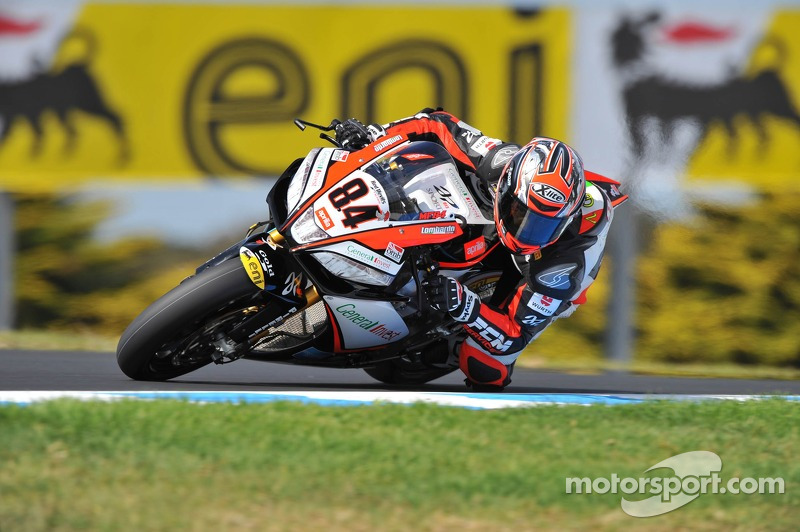 Michel Fabrizio sets the Friday qualifying pace in Phillip Island