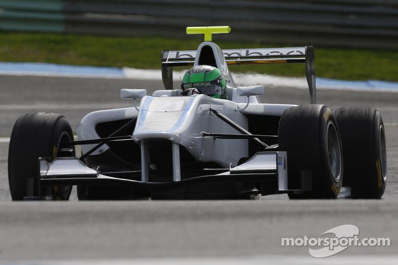 Bamboo Engineering GP3 announce signing of Roberto La Rocca