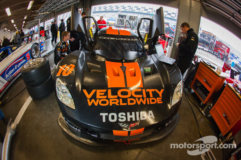 Professional sports car racing team uses NX for competitive edge