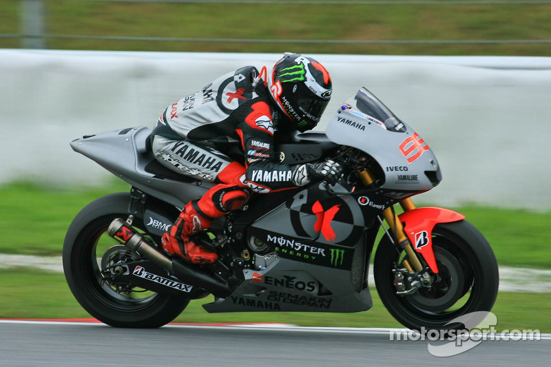 Lorenzo bites back on day two in sepang voltagebd Images