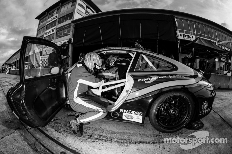 MOMO NGT No. 30 Porsche holds GTC lead at 6 hour mark in Sebring