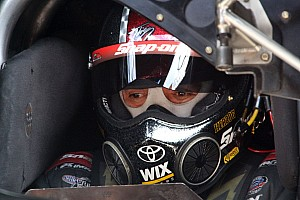 NHRA Preview Cruz Pedregon and his 'No-Name' crew head to the strip at LVMS looking for a victory