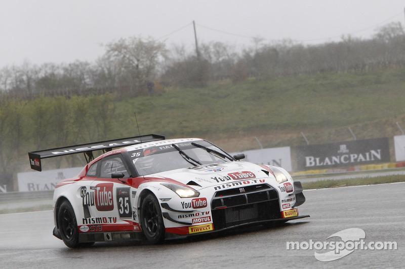 Nissan racers take PRO-AM podium at Nogaro