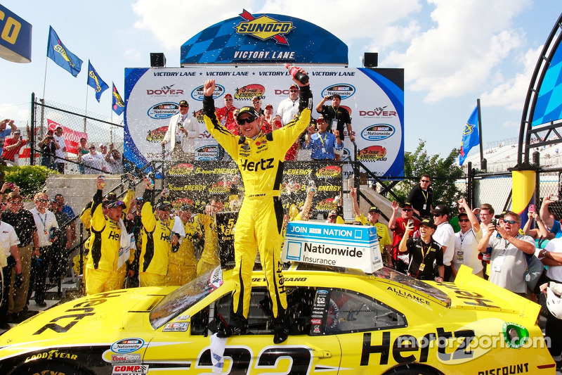 Logano logs third-straight NNS win at Dover, first with Penske