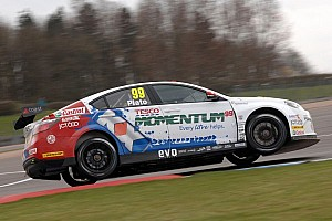 BTCC Qualifying report Plato leads MG 1-2 in Oulton Park qualifying