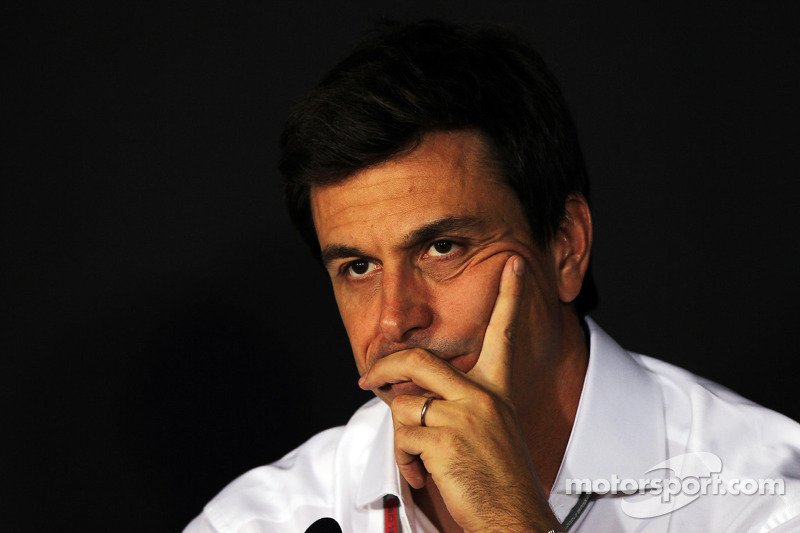Banned Mercedes wants Silverstone test for 'safety'