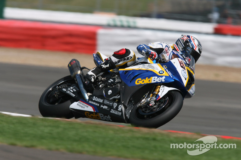 BMW Motorrad experienced a turbulent race day at Silverstone