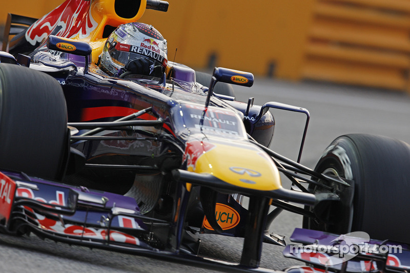Pirelli: Two to three pits stops expected at the Singapore GP