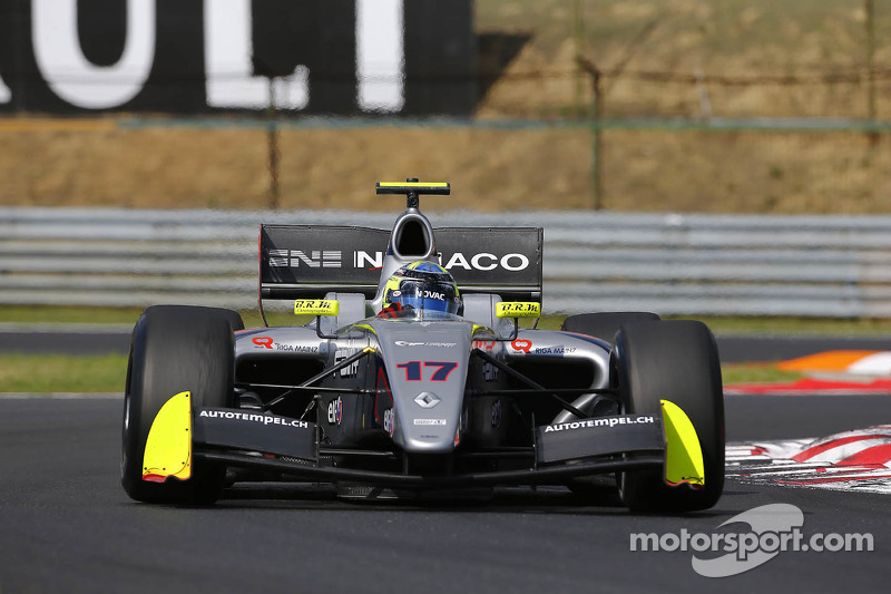 Negrão clinches 4th place in Race 1