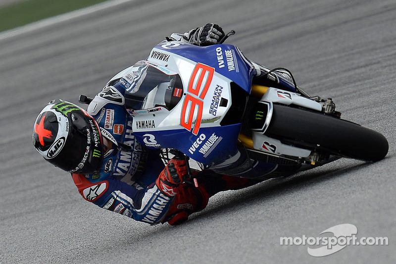 Lorenzo battles for Sepang podium