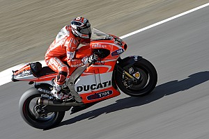 MotoGP Practice report Dovizioso, Hayden ninth and tenth in free practice at Valencia, Pirro twelfth