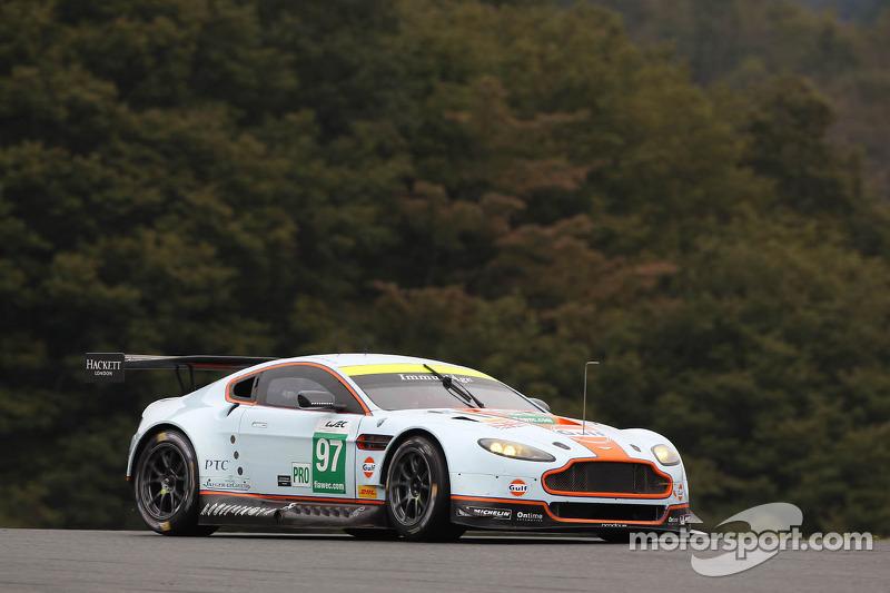 Stefan Mücke wins Shanghai race in the Aston Martin Vantage