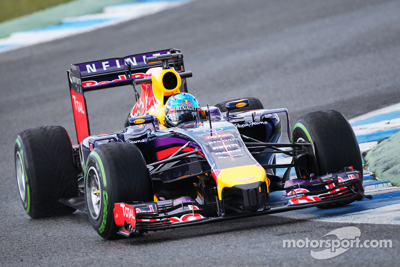 Red Bull supplier Renault admits early 2014 'problem'