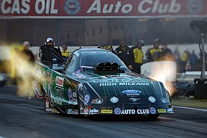 NHRA Qualifying report Force, Kalitta and McGaha secure No. 1 qualifiers in Phoenix