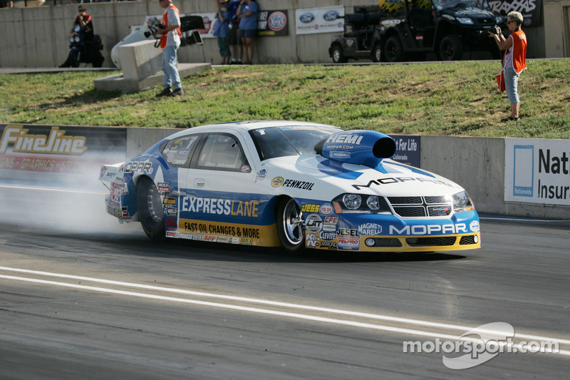 Mopar earns No.2 qualifier with DSR Funny Car driver Tommy Johnson Jr.