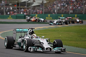 Formula 1 Qualifying report Pole position by Lewis Hamilton at Melbourne