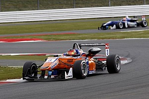 F3 Europe Race report A patchy season opening at Silverstone for kfzteile24 Mücke Motorsport