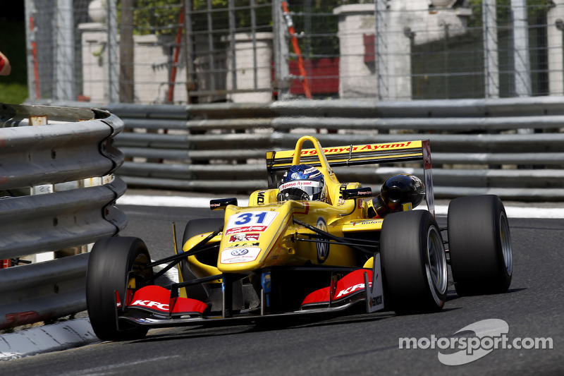 Tom Blomqvist takes victory from rookie driver Esteban Ocon at Pau