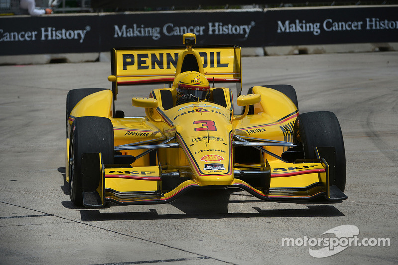 Castroneves scores pole for race two in Houston