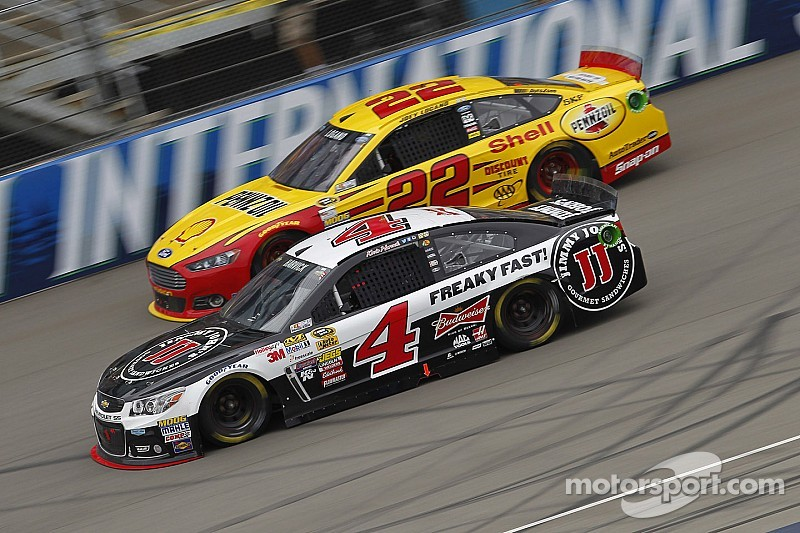 Five more drivers clinch Chase spots at Michigan