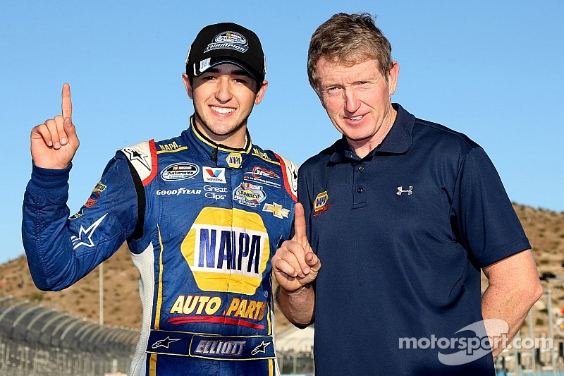 Chase Elliott clinches Nationwide title as NASCAR's youngest national champion