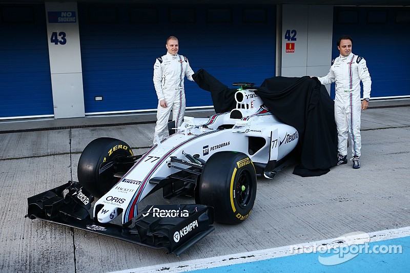 Williams launch the FW37 at the first test in Jerez