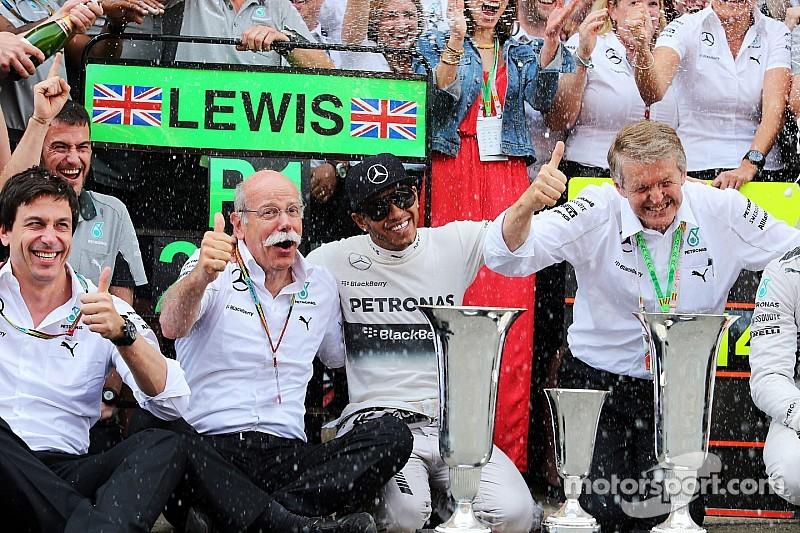 """Mercedes todavía tiene """"hambre"""" de títulos: Zetsche"""
