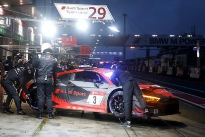 Boxenstopp-Entscheidung: Warum der Car-Collection-Audi so lange stand