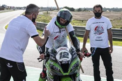 Rea und Lowes stürzen: Kawasaki zittert sich dank Fores zum Hersteller-Titel