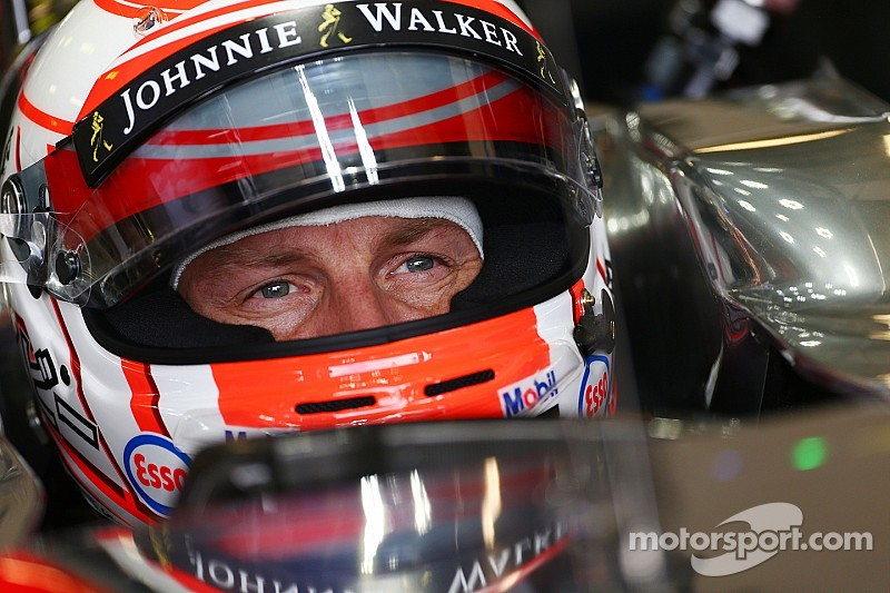 Button cree que McLaren superará  a Mercedes
