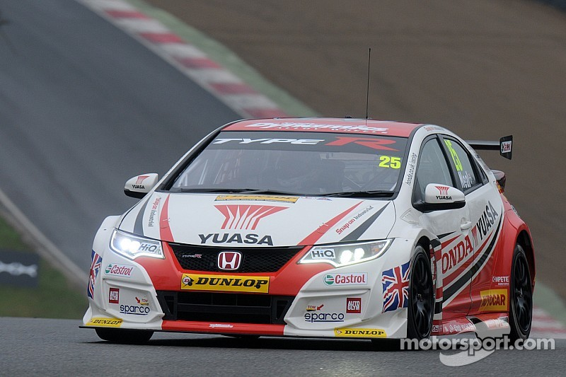 Neal fends off Goff for Brands finale win