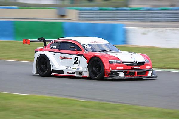 Sébastien Loeb vainqueur en Supertourisme à Nogaro