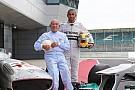 Stirling Moss mise sur Hamilton pour le titre