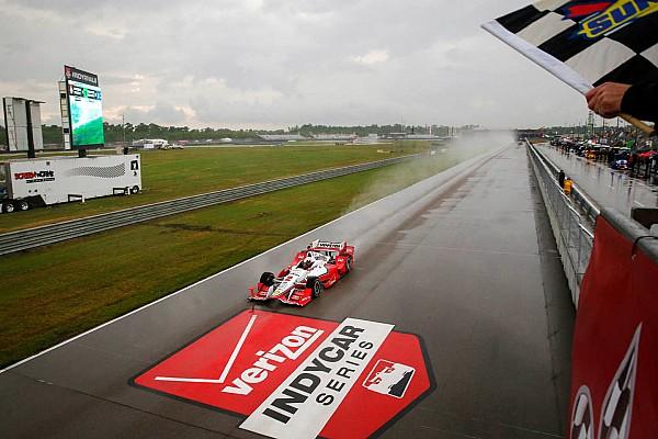 IndyCar Шторм обеспечил поул Монтойе
