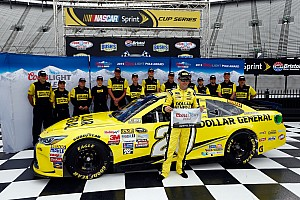 NASCAR Cup Qualifying report Kenseth makes comeback with Bristol pole