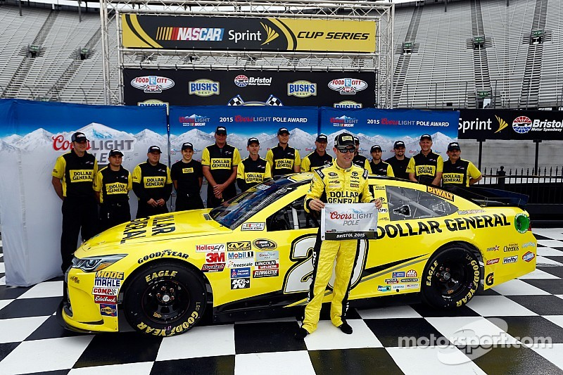 Kenseth makes comeback with Bristol pole
