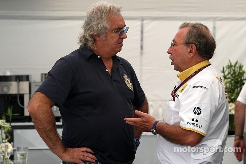 A Briatore le aburre la actual F1