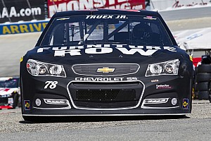 NASCAR Cup Race report Lady lucks leaves Martin Truex Jr. hanging in Kansas