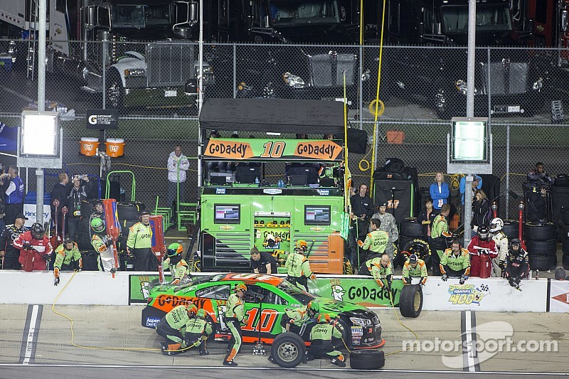 'Terrible night' for Danica Patrick