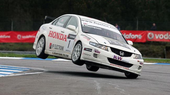 Thompson torna con la Hartmann Racing
