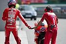 Stoner promuove la nuova forcella Ducati