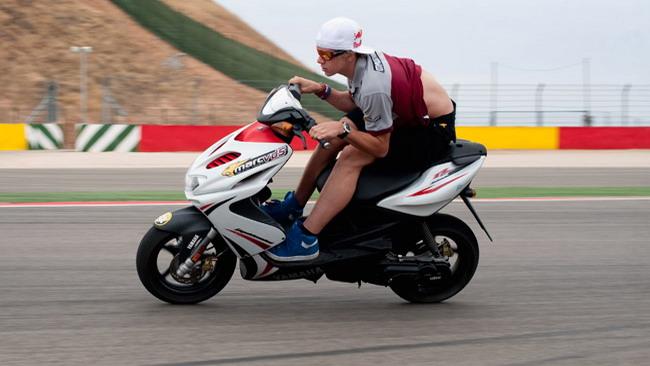 Brutta caduta per Redding nei test di Jerez