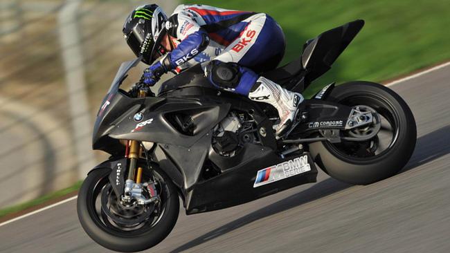 Buon esordio per BMW Motorrad Italia a Portimao