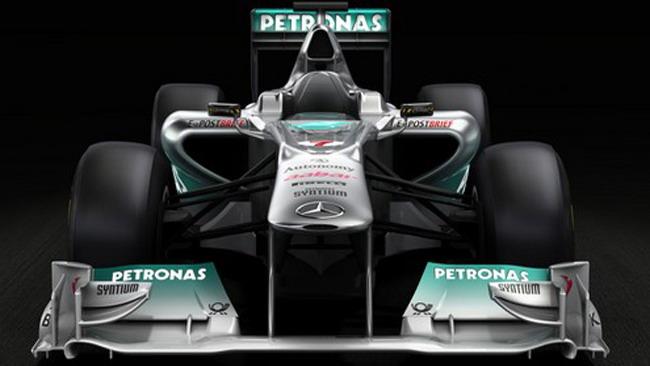 La Mercedes rivela le forme della W02