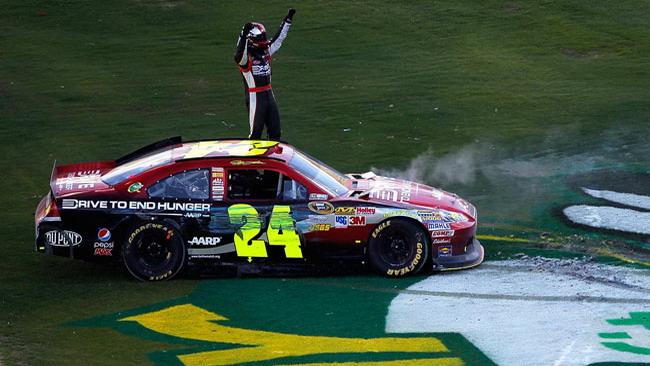 Jeff Gordon ritrova la vittoria dopo quasi due anni!