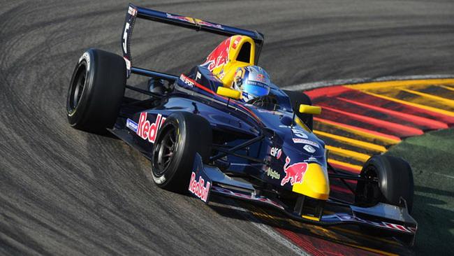 La stagione si apre nel segno di Carlos Sainz Jr.