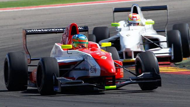 Will Stevens in pole position anche in gara 2