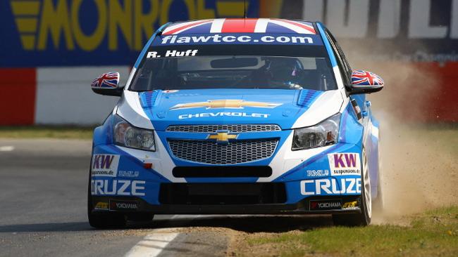 Rob Huff guida la tripletta Chevrolet a Zolder