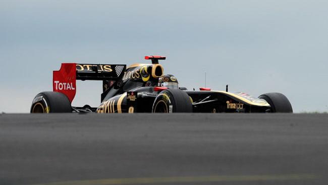 Indecisione sul tema scarichi in casa Lotus Renault